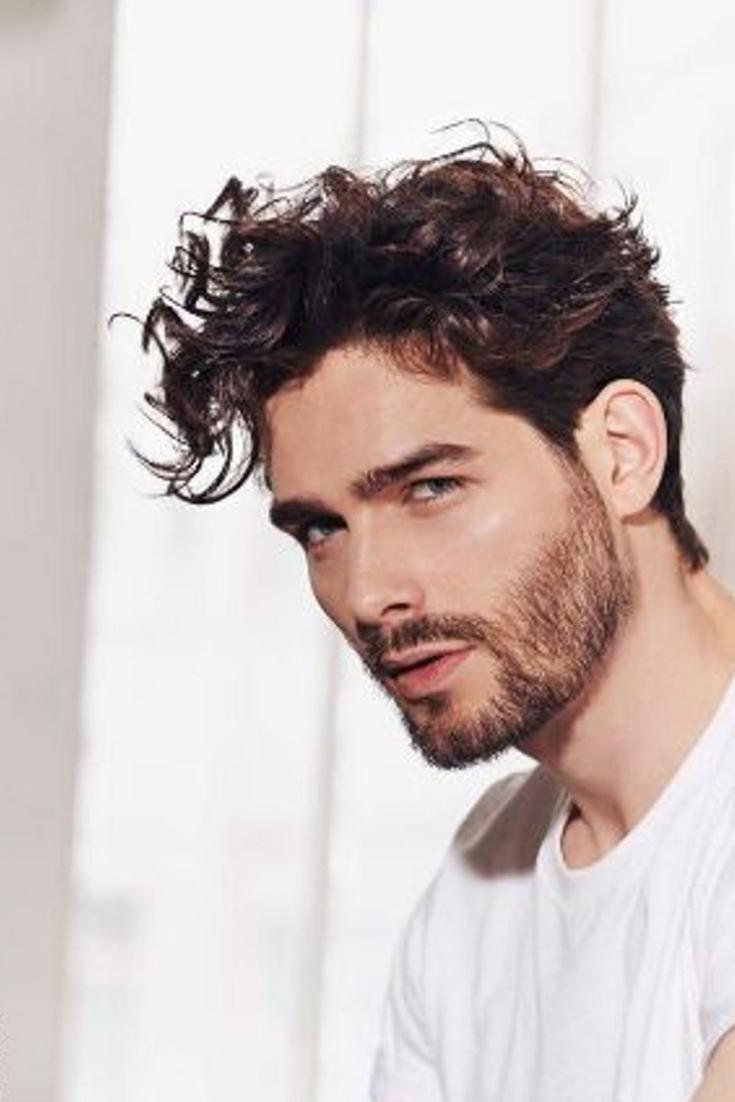 Types de coupes de cheveux sexe masculin sur