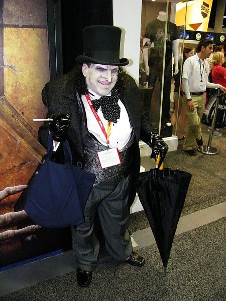 The Penguin Cosplay From Batman Returns With Danny Devito