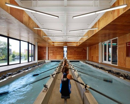 WMS Boathouse at Clark Park / Studio Gang Architects. Image © Hedrich Blessing