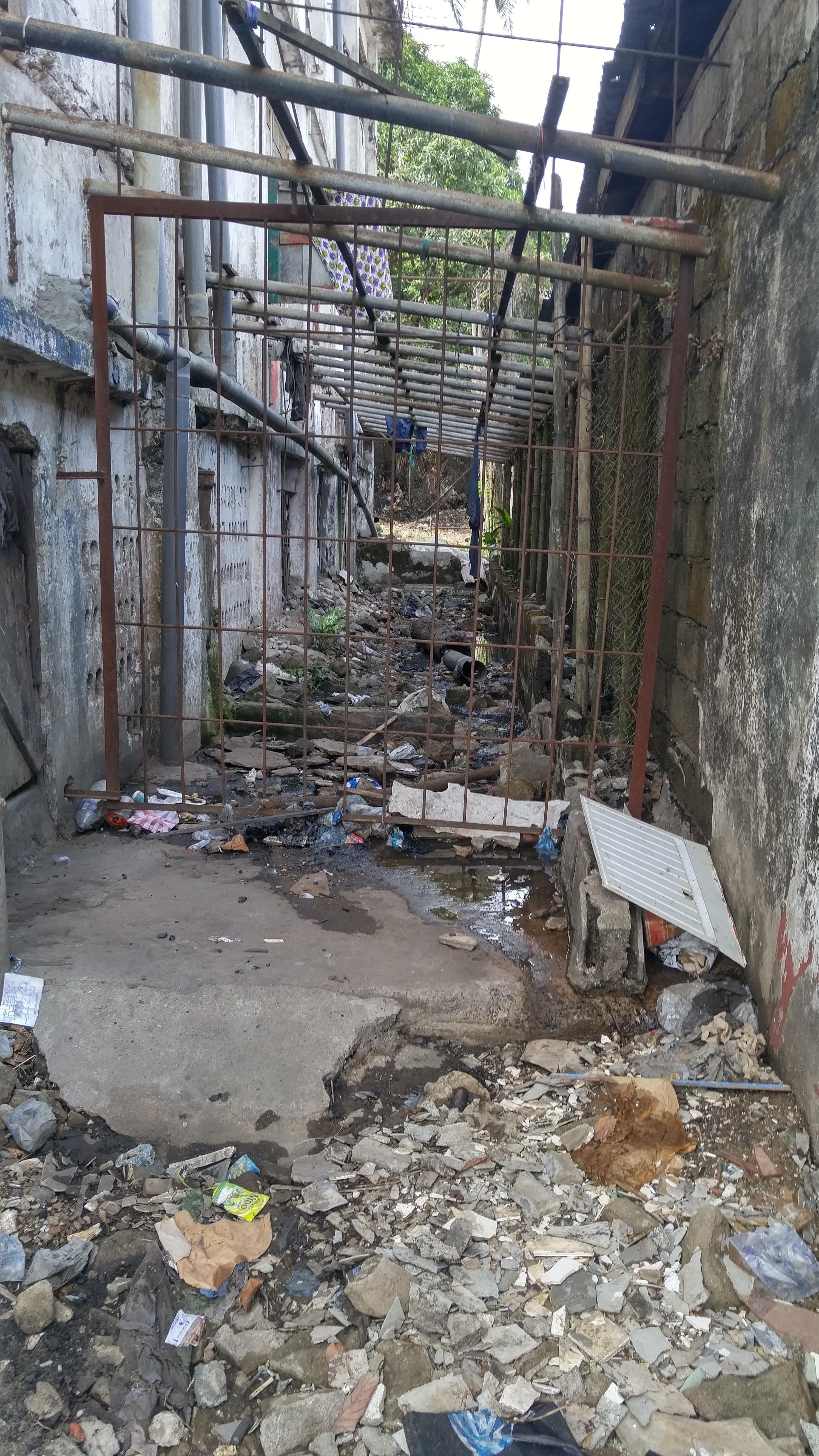 An alleyway of Monrovia Liberia в 2020 г