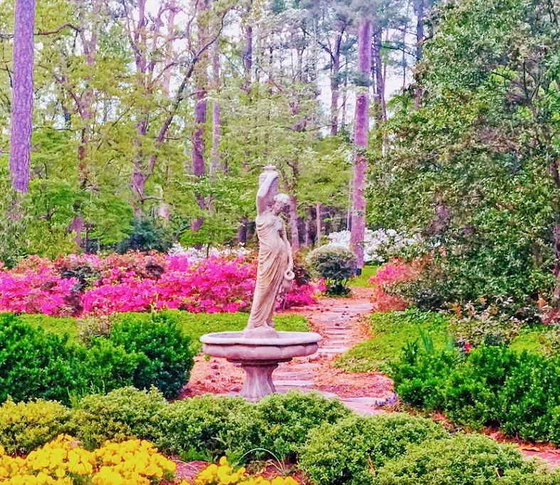 Pretty #garden in #littleneckvb #mansion # ...