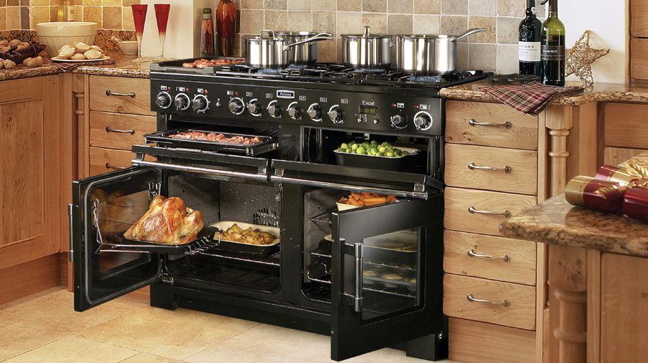 Foto van de binnenzijde van de ovens van de falcon excel for Piano de cuisine falcon