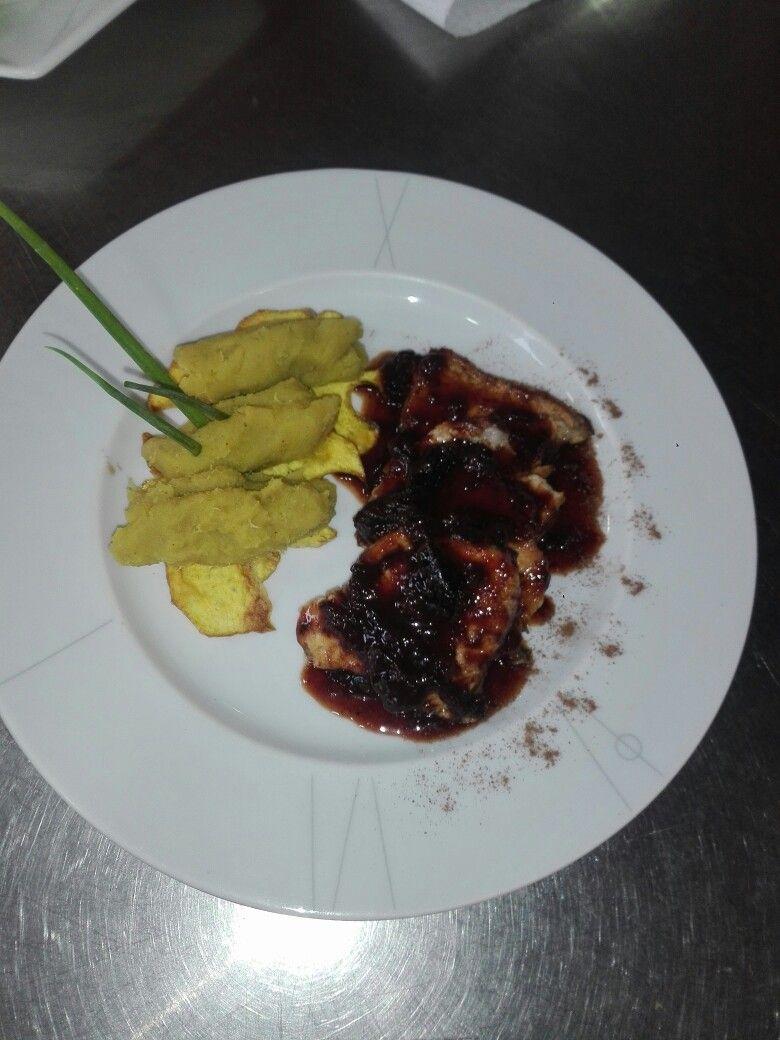 Lomo De Cerdo En Salsa De Ciruelas Con Puré De Camote By Juliana S C Gourmet Food Meat Beef