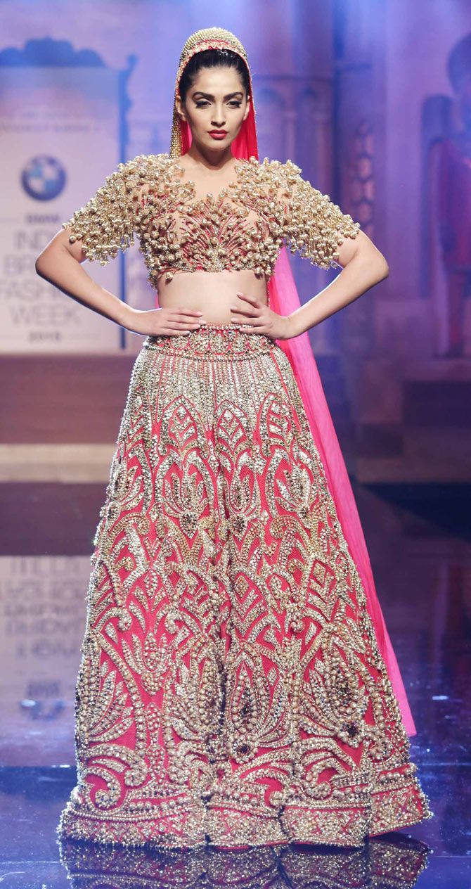 Sonam Kapoor in a Abu Jani and Sandeep Khosla golden gown at the ...