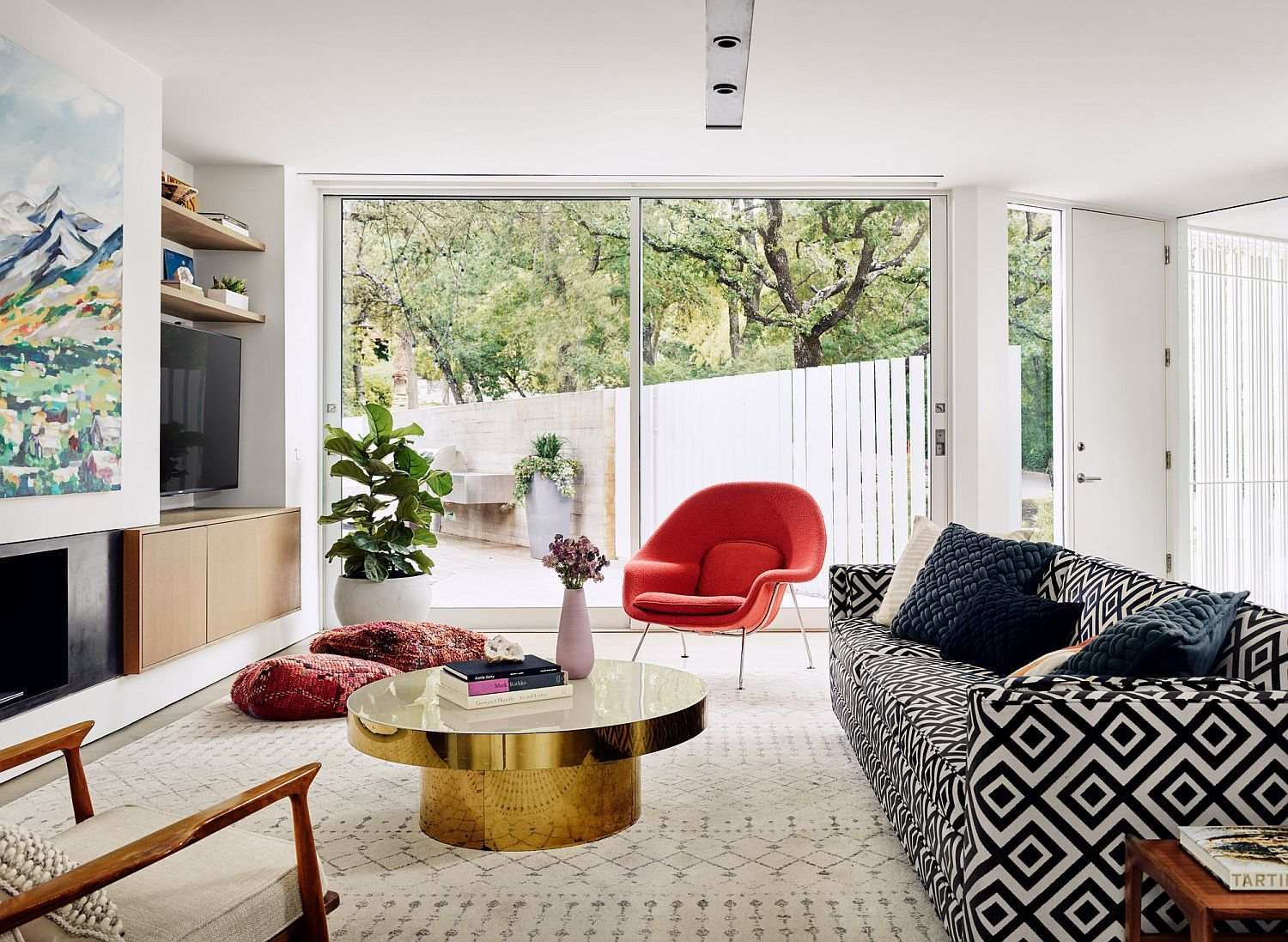 Sugar Shack Residence: Mid-Century Charm Coupled with Modern ...