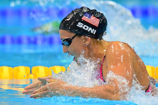 Olympic Swimming Breaststroke soni sets world record, wins gold in 200 breast | olympics, team