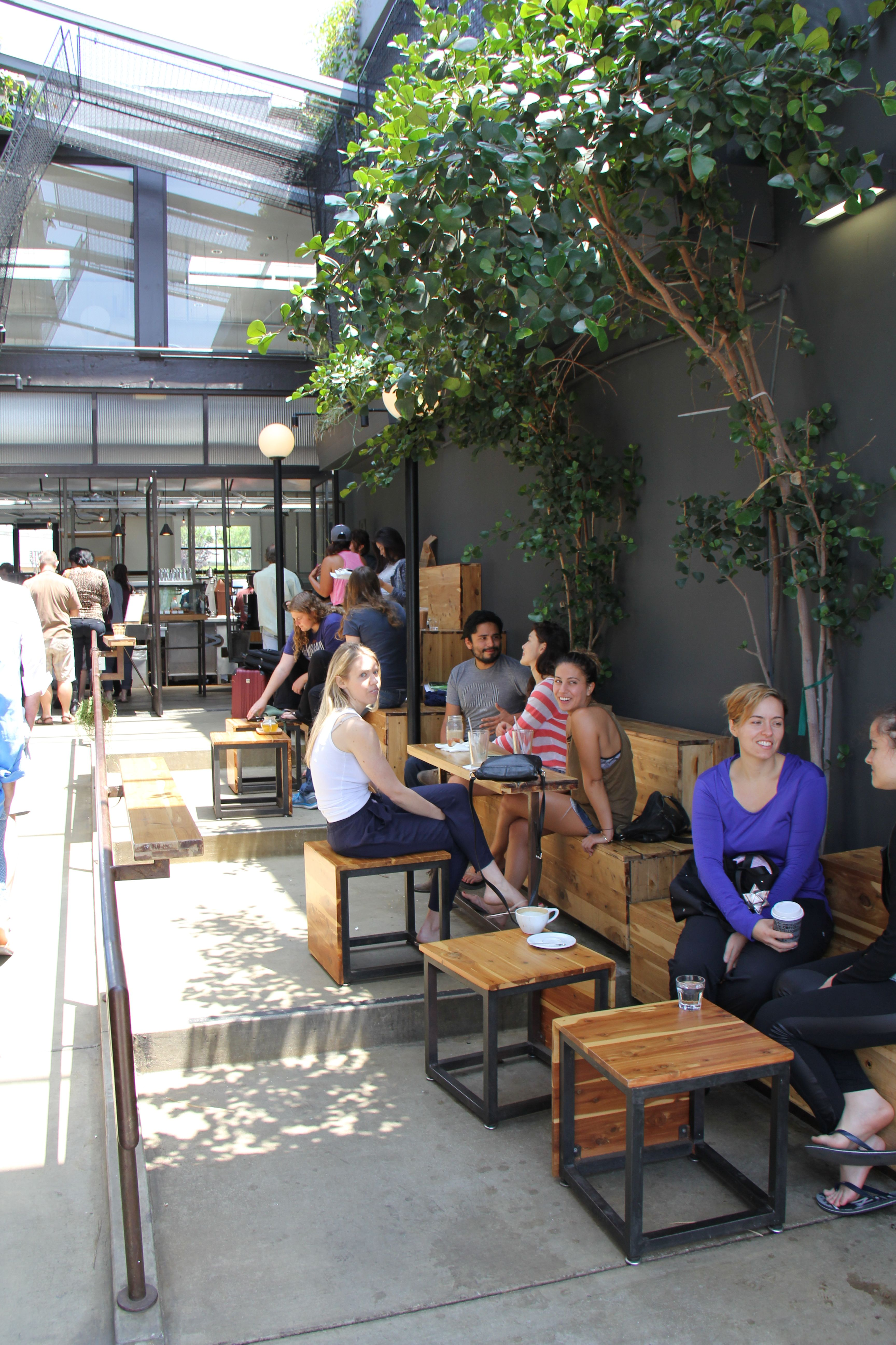 Outdoor coffee shop Abbot Kinney Dining with Nature