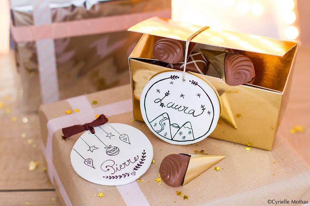 Calendrier de l'Avent Lindt *JOUR 14* Quoi de mieux pour personnaliser un cadeau que de l'accompagner de jolies étiquettes faites-main ?