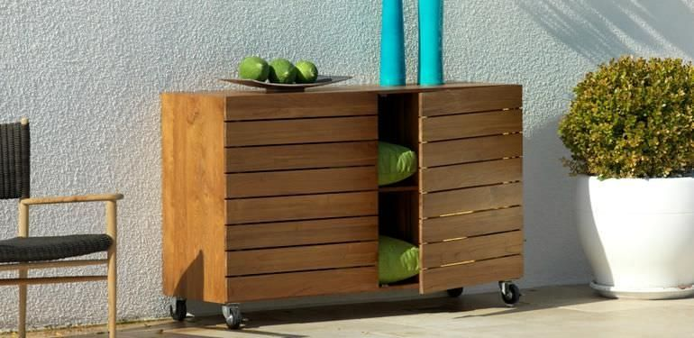 contemporary sideboard in wood garden with casters. Black Bedroom Furniture Sets. Home Design Ideas