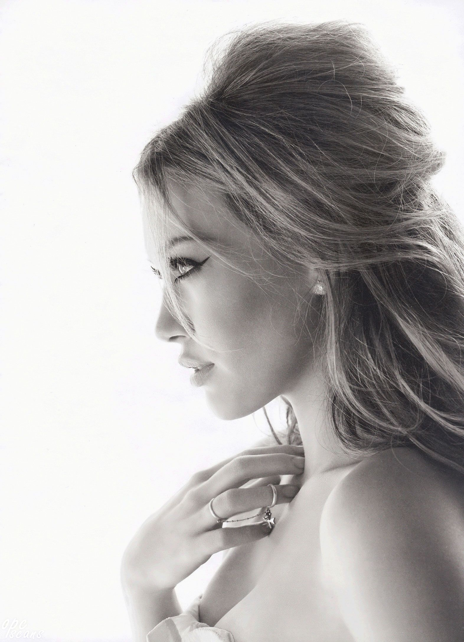 I would like to get my hair done like this for the christmas party hilary duff wearing a half up do get more hair inspiration watch younger on tv junglespirit Gallery
