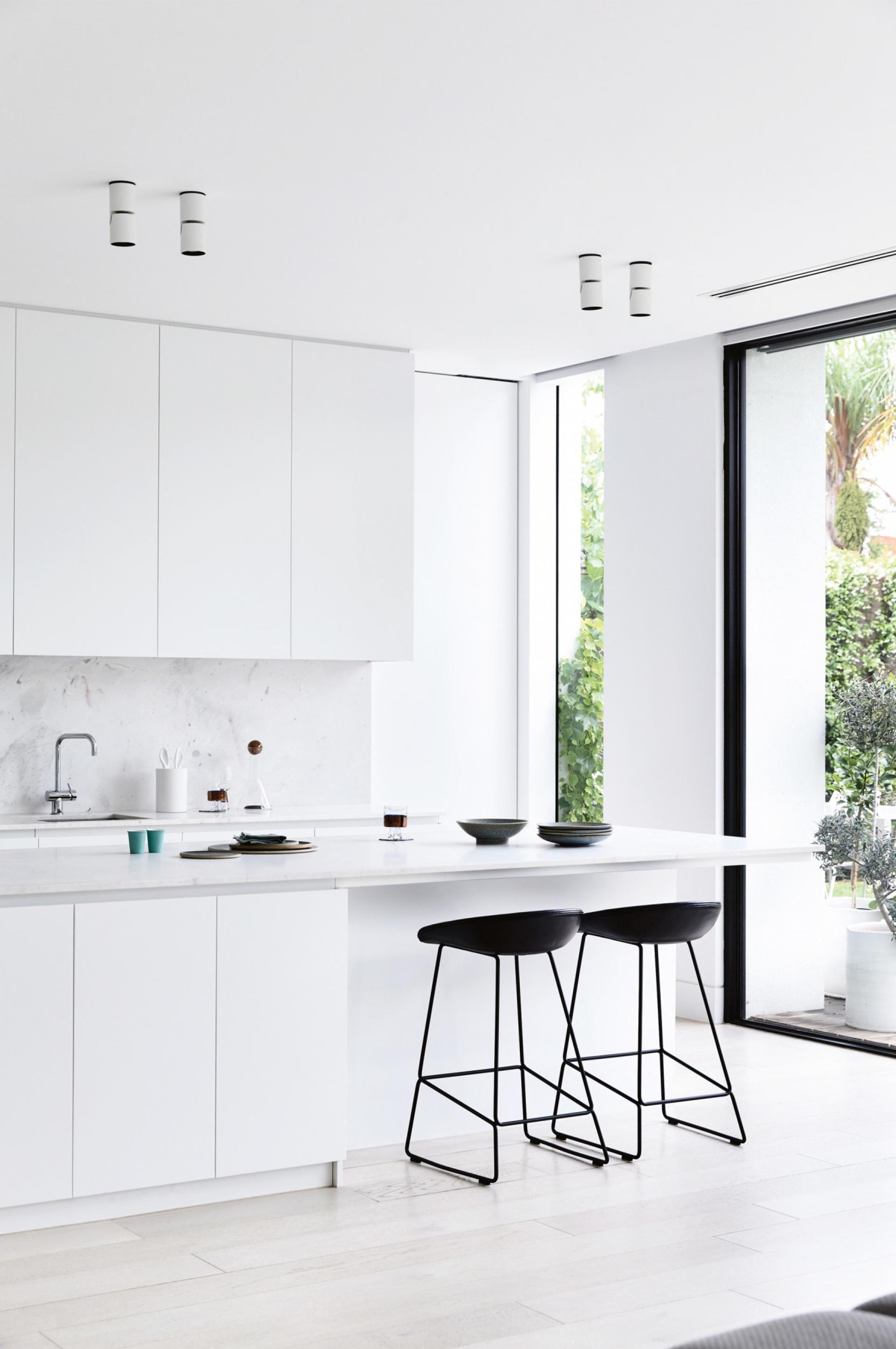 Insideout Com Au Minimalism Interior Minimalist Kitchen