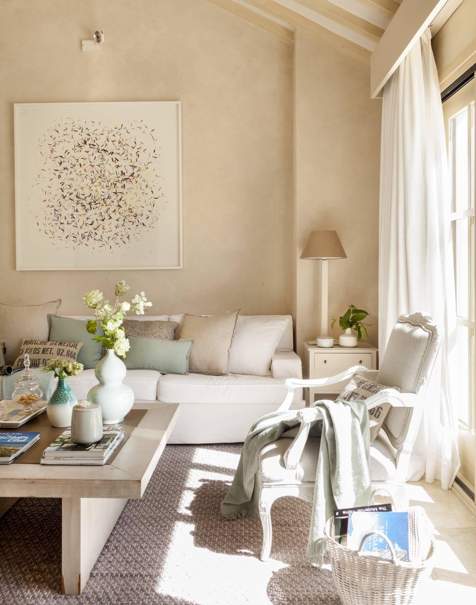 Para Cubrir Decapar O Envejecer La Madera Salones Calidos Decoracion Sofa Blanco Decoracion De Interiores Salones