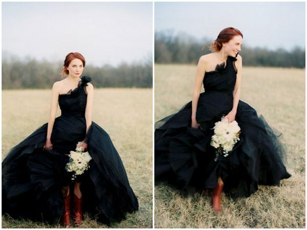 Black Wedding Details For A New Years Eve