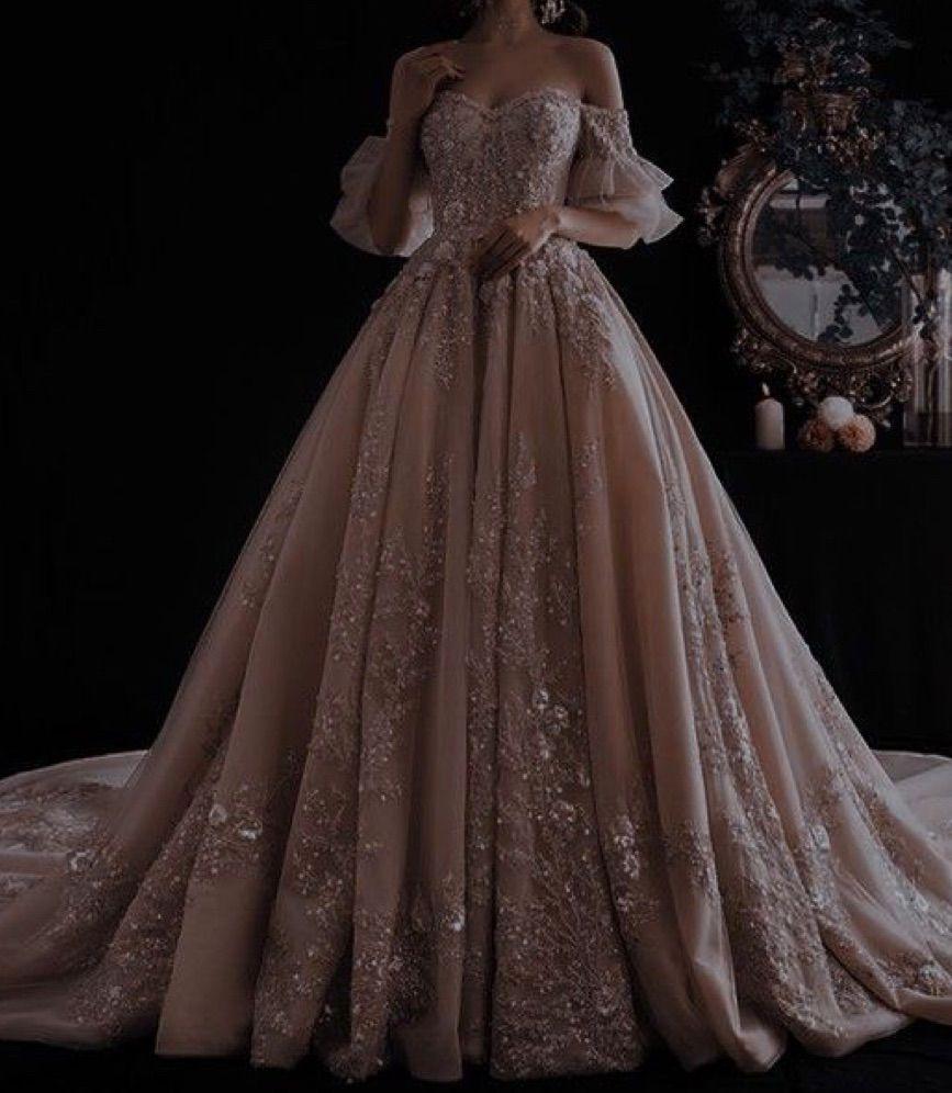 Hailenna Regner A Tout Prix Au Cœur D Une Hierarchie In 2021 Fantasy Gowns Fairytale Dress Fantasy Dress