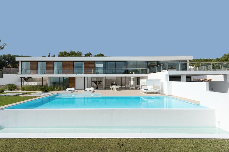 Luxury Villas for rent Marbella, Miami, London, Ibiza, Paris, Saint-Tropez www.bookmylifestyle.com