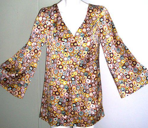 Diane Von Furstenberg SILK Tunic Top 8 Wearable Art Flowy Vented Sides Shirt 40B