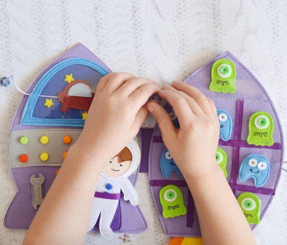 Photo of Felt Calm Baby Toys Montessori Busy Toddler Book Juguetes educativos Tic Tac Toe Rocket Ship Baby Gift Motor fino Sensorial Viajes