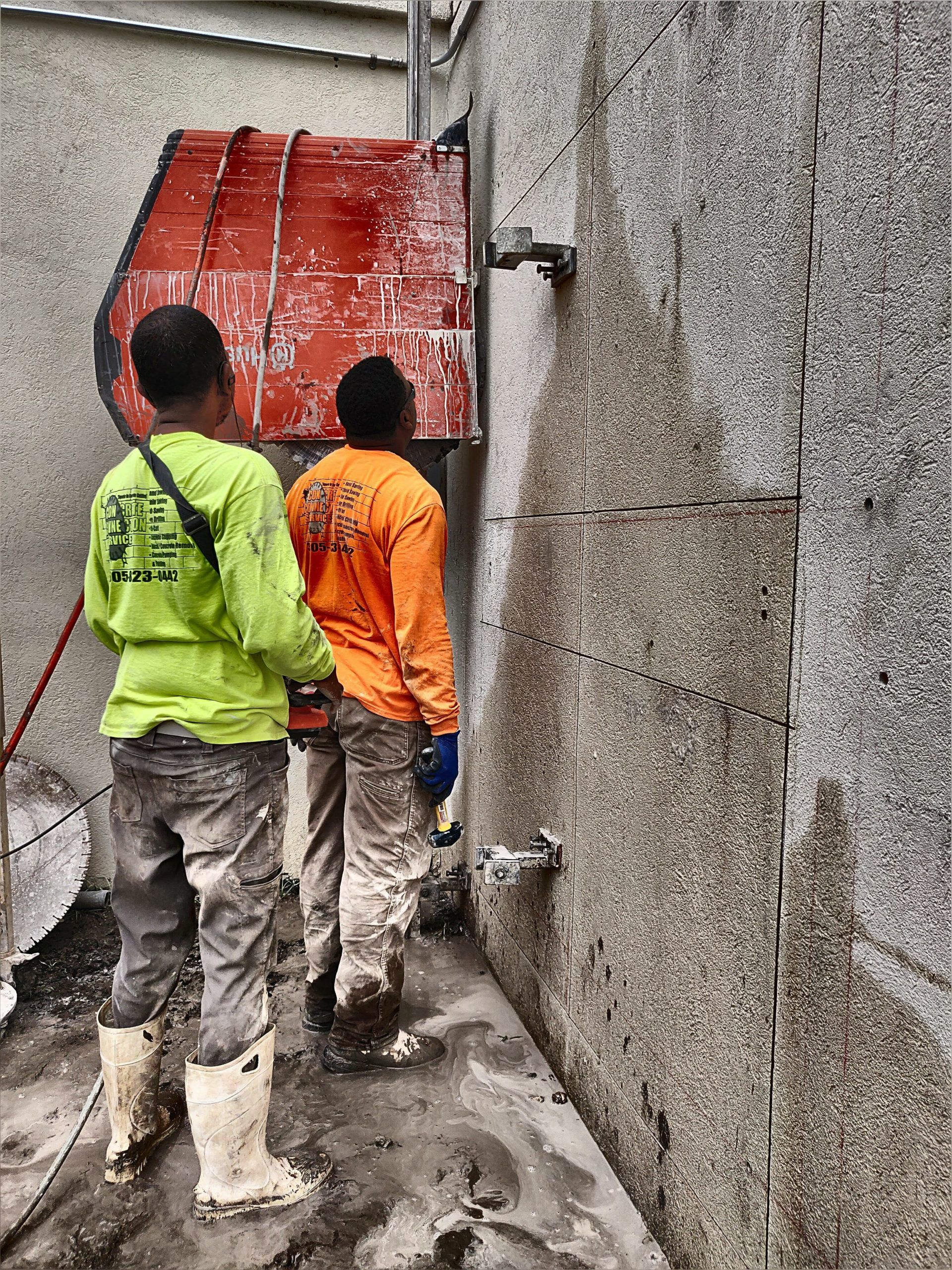 Track Sawing 13 Inch Thick Wall In 2020 Concrete Brickell Saw