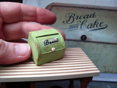 Dollhouse Miniature Furniture - Tutorials | 1 inch minis: DOLLHOUSE VINTAGE BREAD BOX - How to make a vintage bread box from card stock for your dollhouse. #miniaturefurniture
