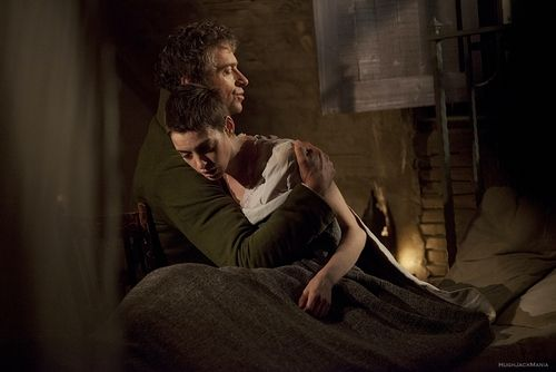 Valjean Hugh Jackman And Fantine Anne Hathaway Les Miserables