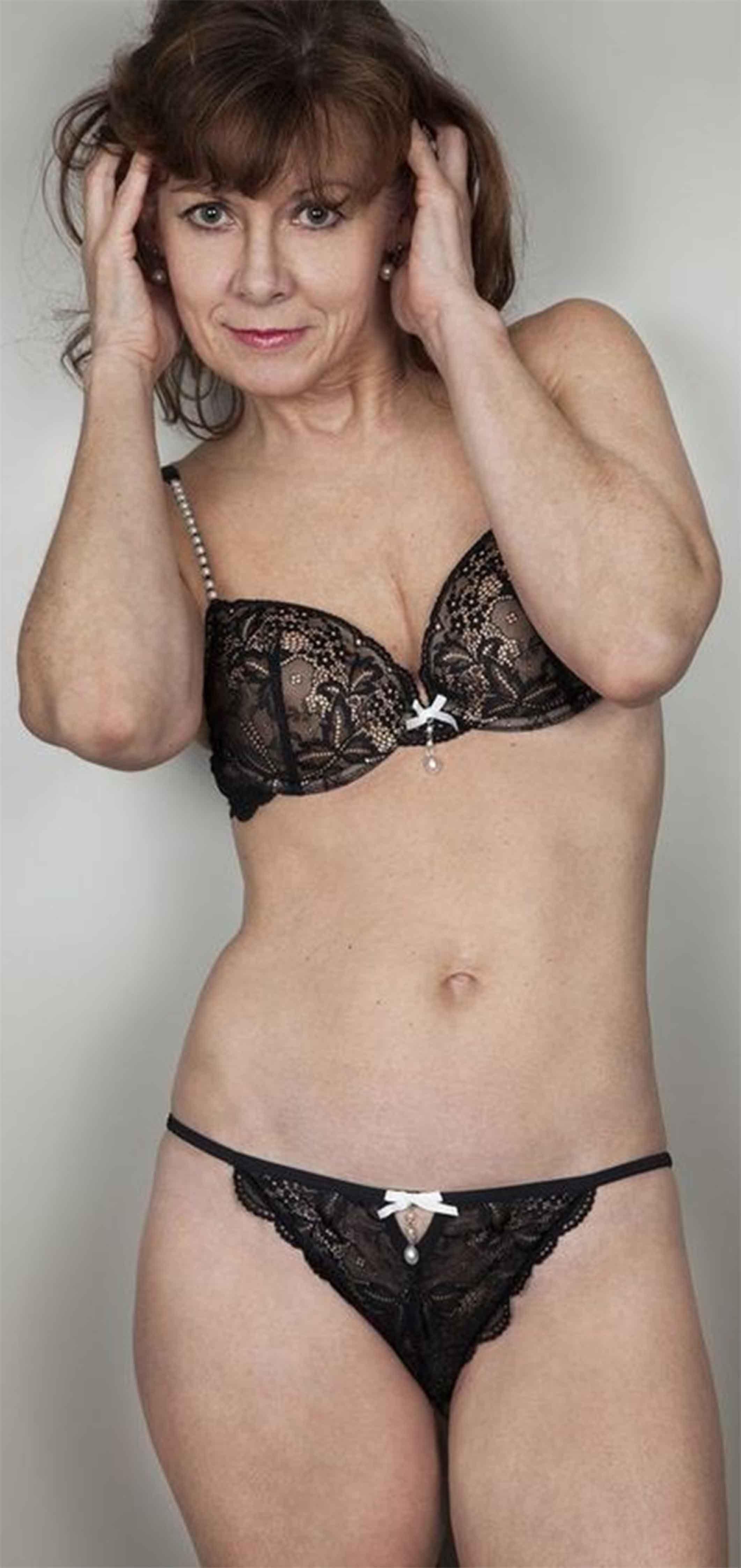 Pin By Fred Flintstone On Beautiful Mature Women -8668