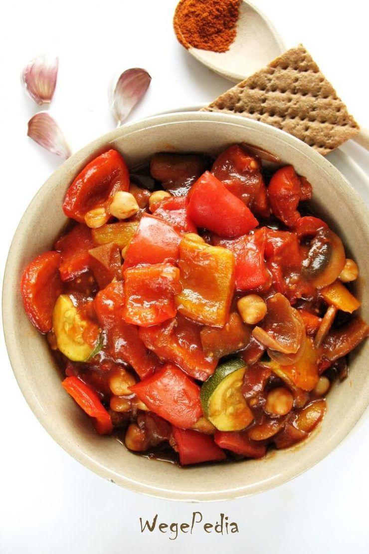 Weganskie Leczo Fit Z Cukinia Pieczarkami I Ciecierzyca Wegepedia Recipe Healthy Recipes Veggie Recipes Recipes