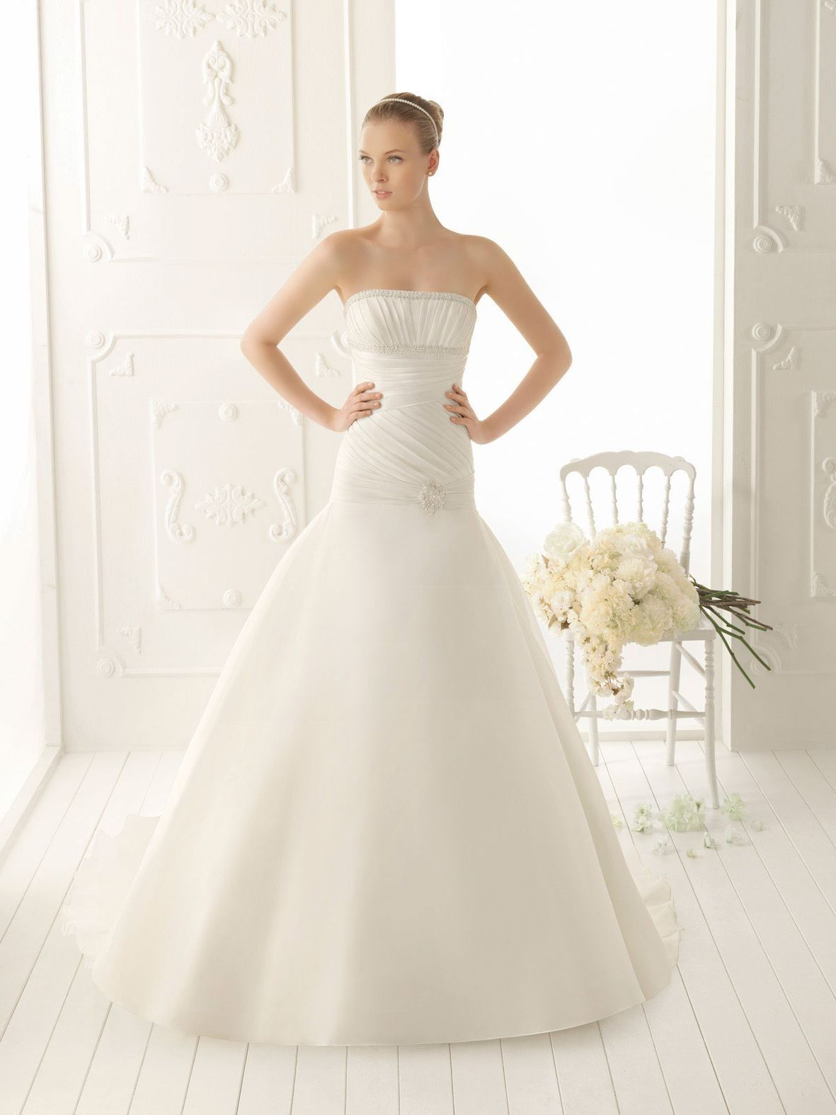 Organza strapless aline style with asymmetrically ruched bodice new
