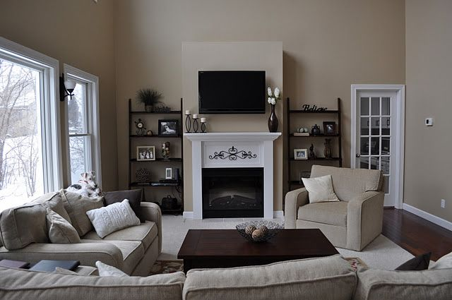 Styling around flat screen tv & mantle