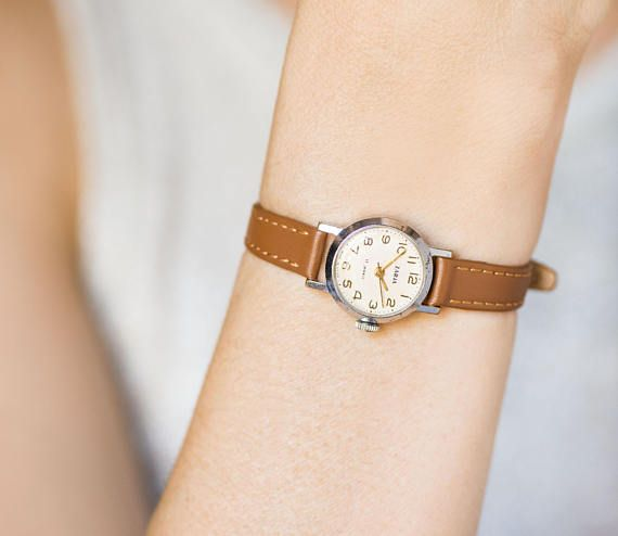 Women watch small gold plated Zarja Dawn, vintage wristwatch tiny, classic lady watch petite, mini watch preppy, new genuine leather strap #vintagewatches