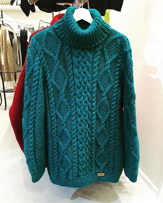 Cozy chunky oversize sweater by @alisa_knitting