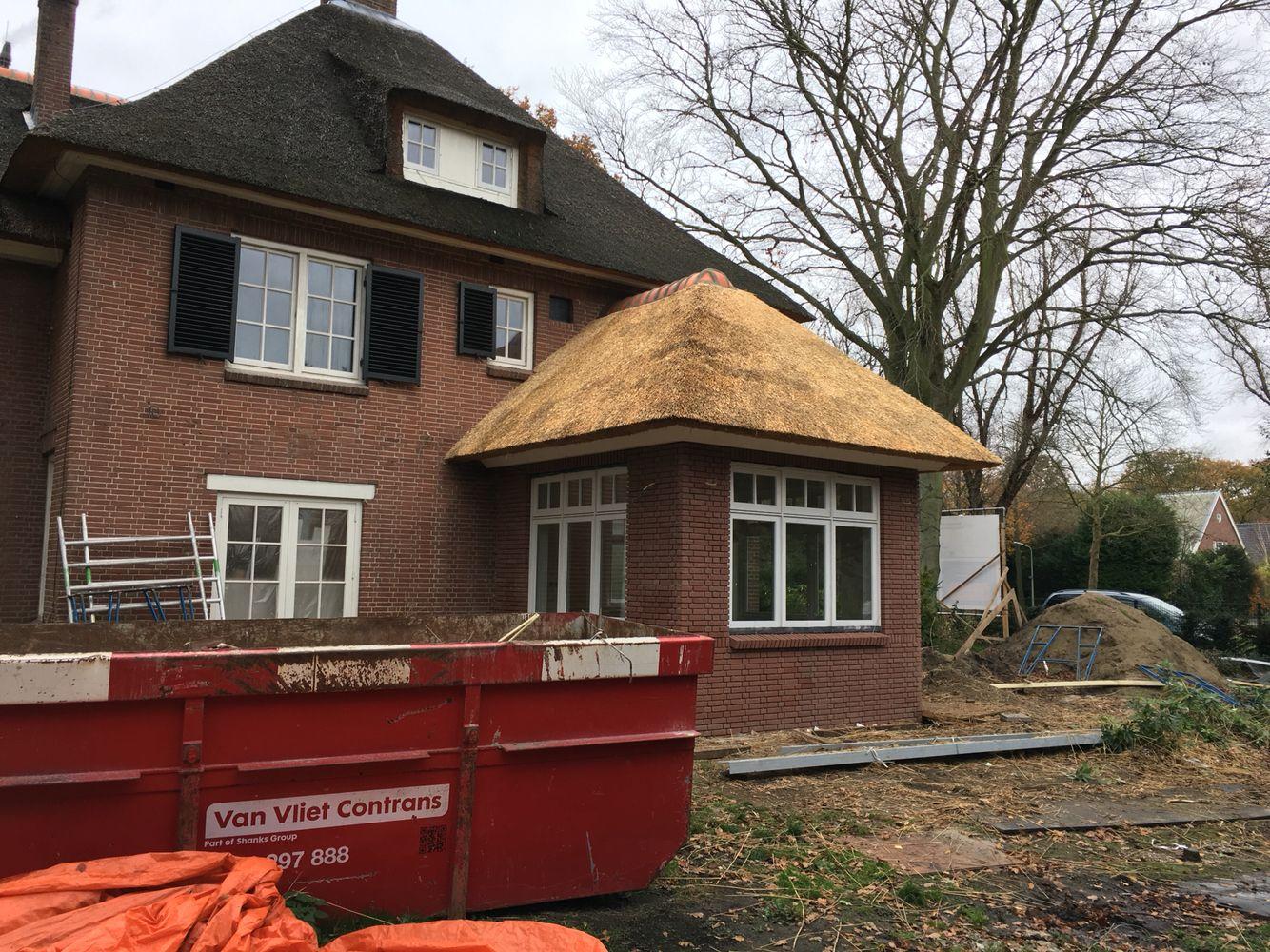 Uitbouw gemaakt met #rietendak #wassenaar   rietendaken   Pinterest