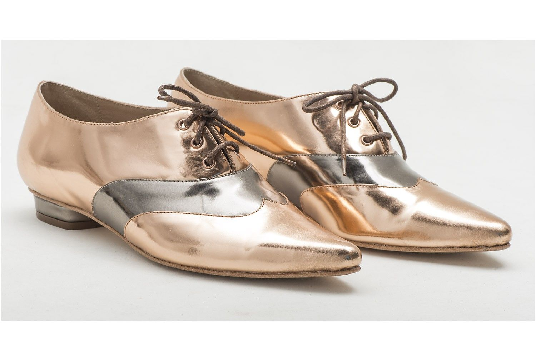 emannuelle junqueira e dani cury em coleção de sapatos