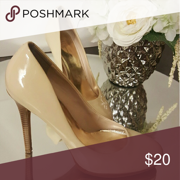 52977b262156 Cream Patent Heels Leather patent heels in a light cream color 👠 Light  scratches throughout but most too faint to really see. Shoes Heels