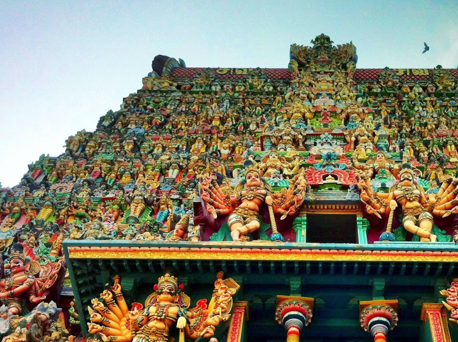 15 Places to See Magnificent Temples in South India