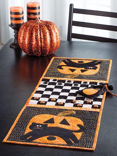 Halloween Table Runner Quilt Pattern : halloween, table, runner, quilt, pattern, Harvest, Quilting, Halloween, Quilt, Patterns,, Quilted, Table, Runners, Quilts