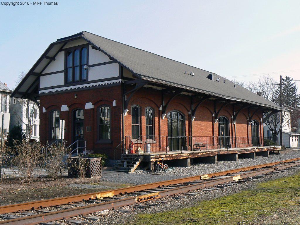 union county pa Lewisburg Train station, Abandoned train