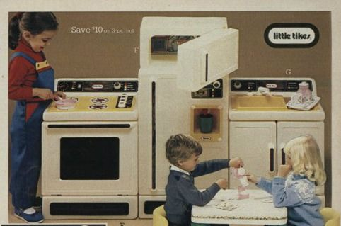 Bought This Vintage Little Tykes Kitchen Set Today Hope To Get It All Cleaned Detailed Before Xmas For The Boys