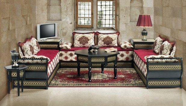 14 id es inspirantes pour d corer un petit salon marocain decor gallery wall living - Decorer un petit salon ...