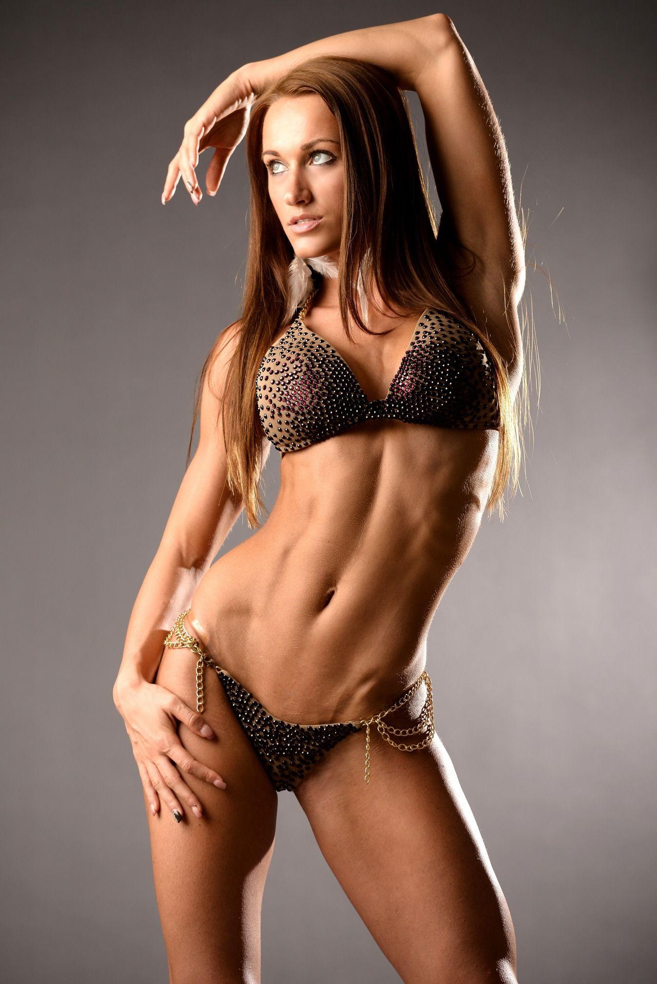 Female Form #StrongIsBeautiful #Motivation #WomenLift2 dia salamon ...