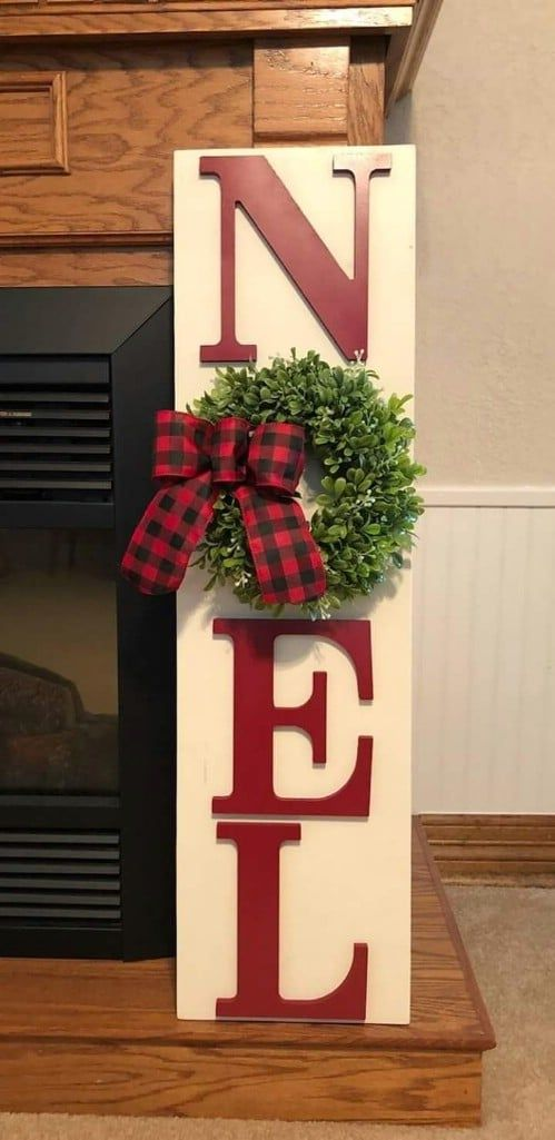 20 Unique DIY Wooden Signs For Christmas Decorating