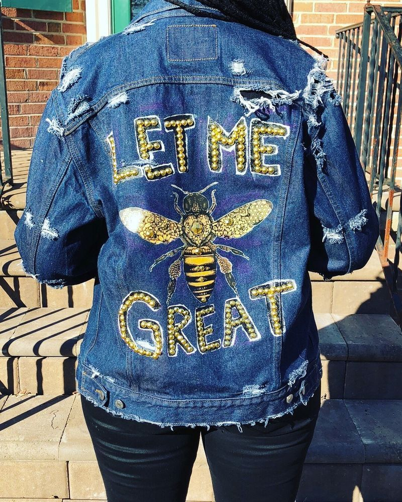 Hand Painted Denim Jacket Let Me Be Great Vintage Levi S Jean Jacket Levis Denimjacket Painted Denim Denim Jacket Painted Denim Jacket [ 1000 x 800 Pixel ]