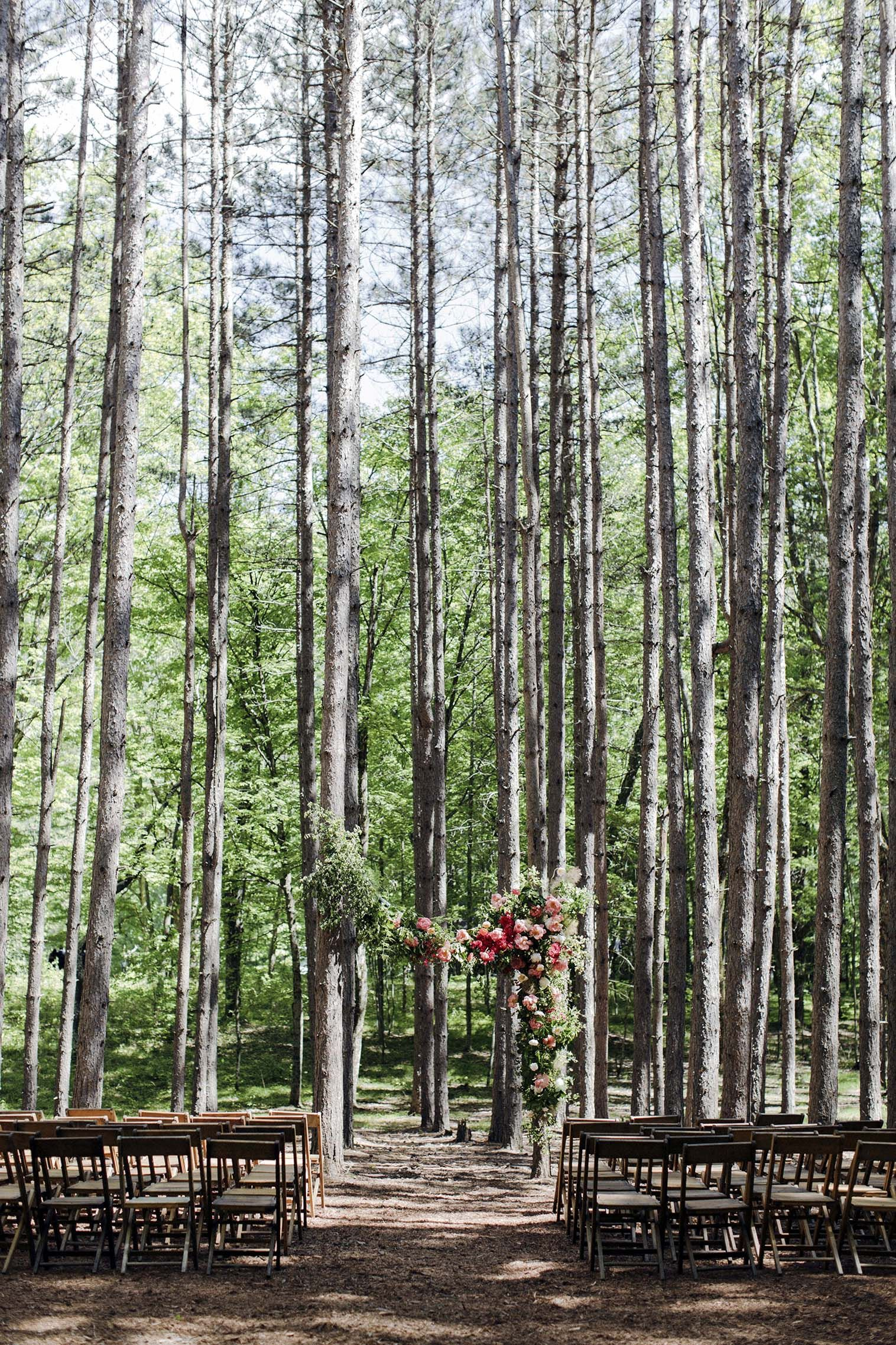Pine Groves, a Barn and a Whole Lot of Character Complete This East Coast  Wedding | East coast wedding, New york wedding venues, Mountain wedding  venues