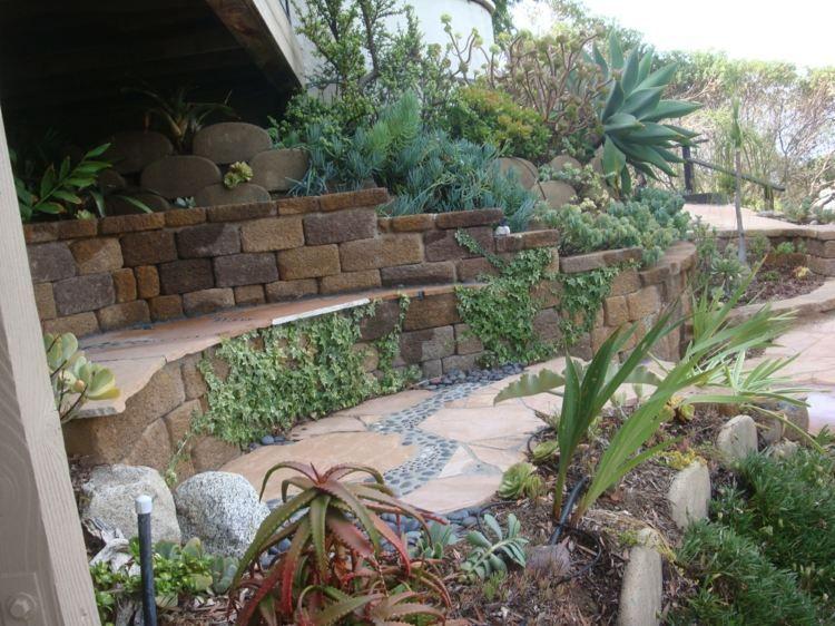 Garten Terrassen am Hang gestalten und als Sitzflächen nutzen | Im ...