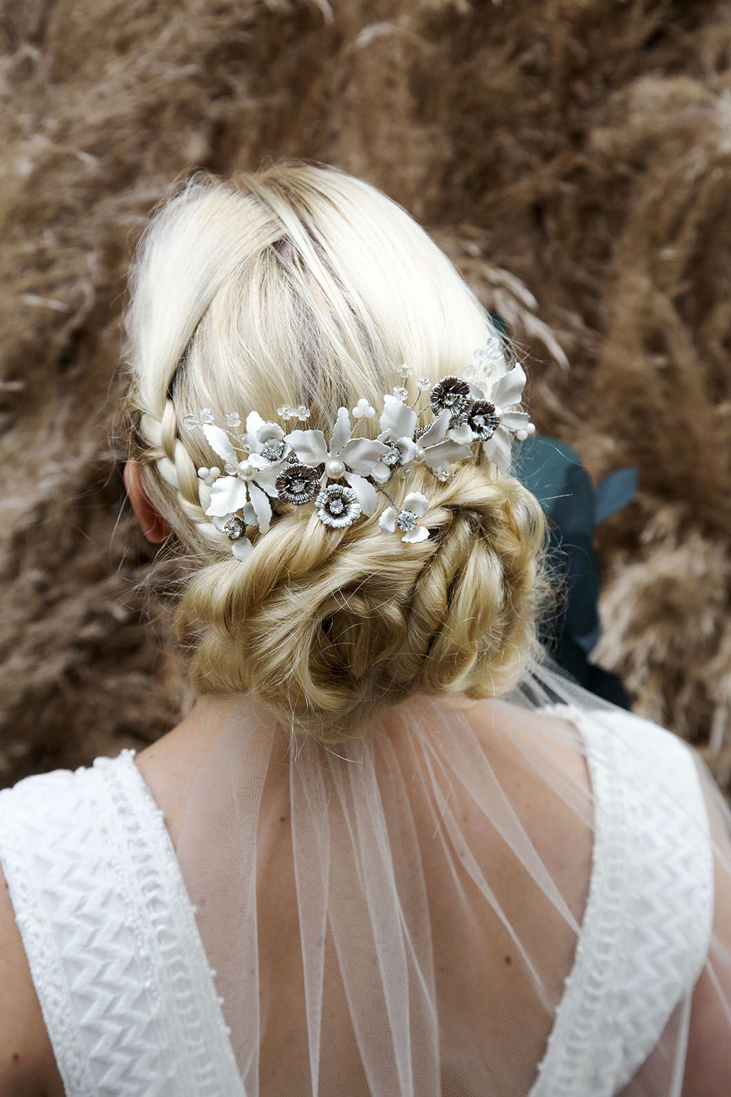 lily bridal hair comb. ivory and silver flower wedding hair