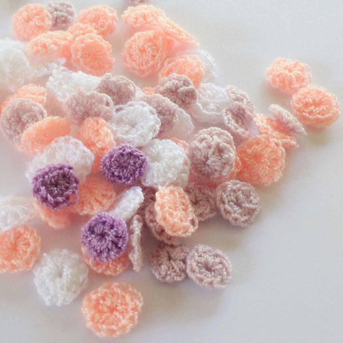 small sweet circle  hand made  circle  crochet ,1 cm,  30 pcs, flowers, yarns,pale orange,brown,white by TheThailand on Etsy