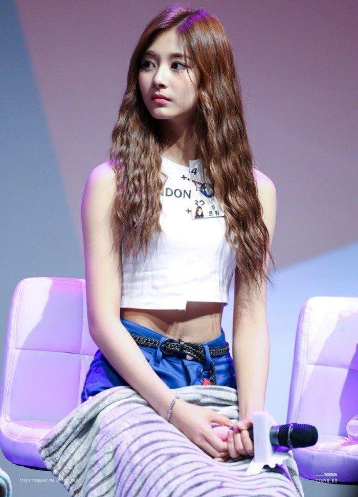 Seohyun Snsd Snsd Seohyun Seohyun Good Posture Seohyun Elegance Seohyun Posture Seohyun Body Seolhyun Seolhyun Body Shape Aoa Seolhyun Posture Tzuyu