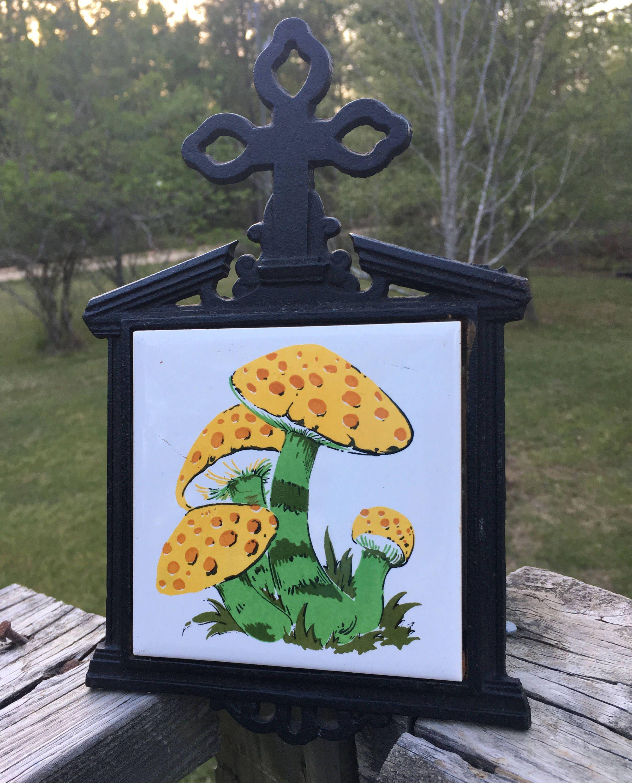 Vintage mushroom tile trivet mod mushroom ceramic tile cast iron vintage mushroom tile trivet mod mushroom ceramic tile cast iron trivet retro dailygadgetfo Images