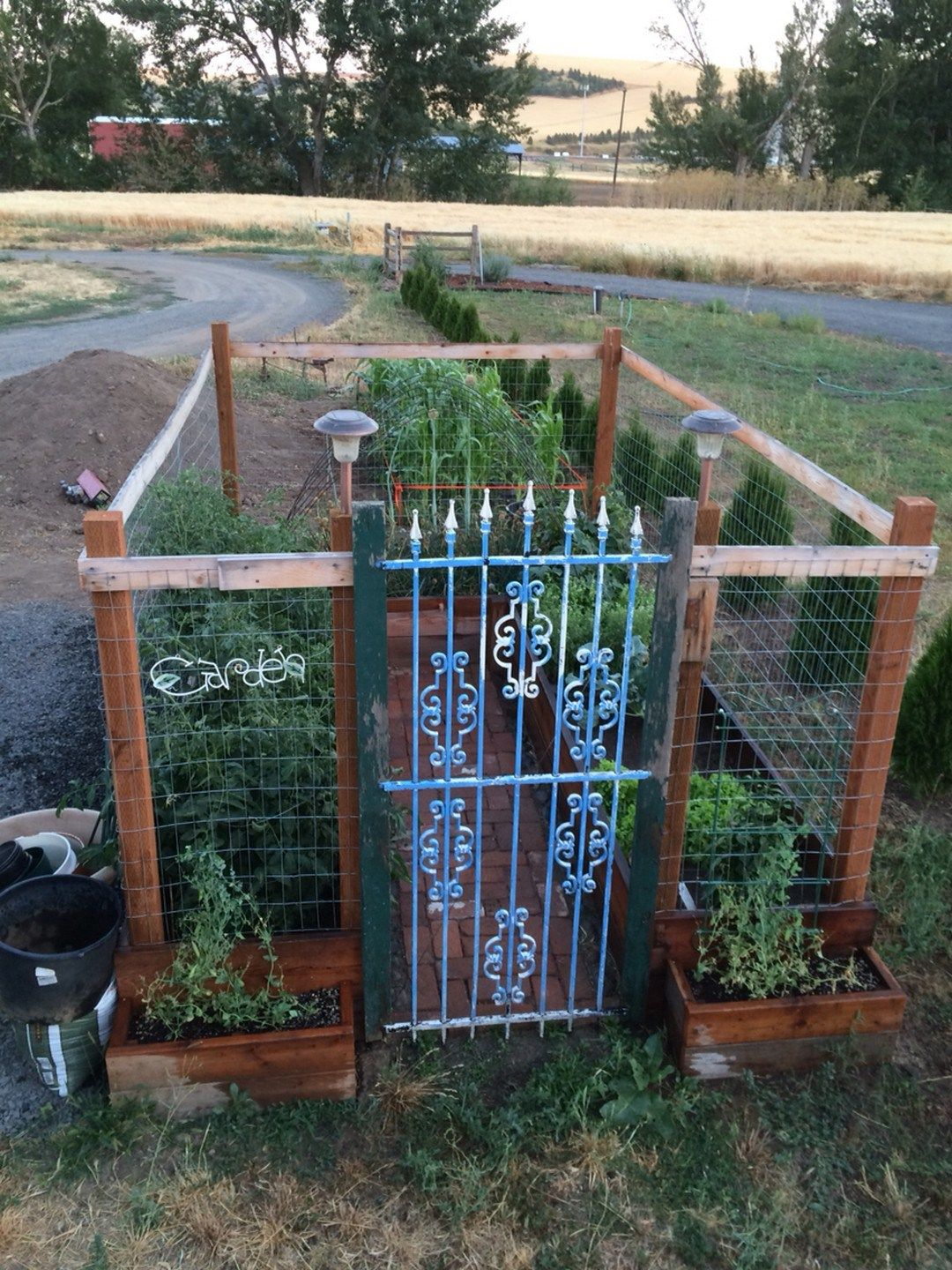 Cheap And Easy DIY How To Make Raised Garden Beds With