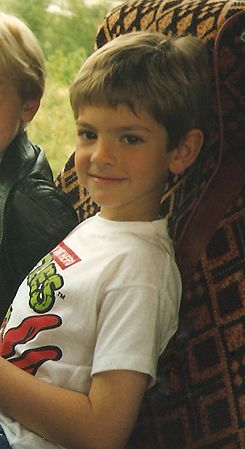 bb!Andrew Garfield. Extra points for the TMNT t-shirt!