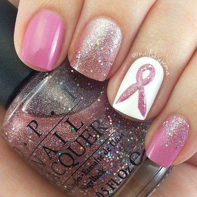 Brustkrebs-Bewusstseins-Nägel   – nails